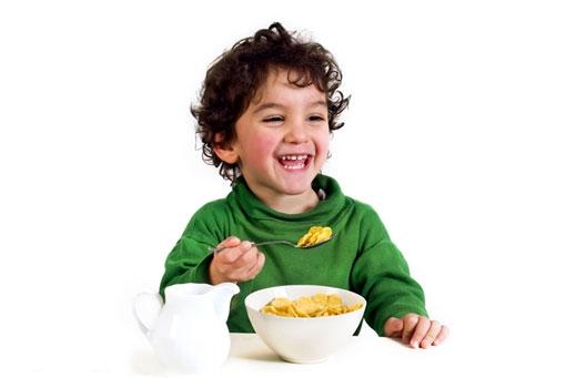 фото, ребенок ест